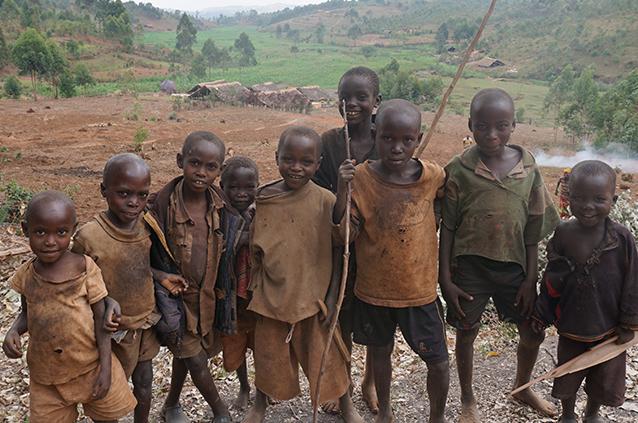 世界で2番目に貧しい国「ブルンジ共和国」の元子ども兵が社会復帰 ...