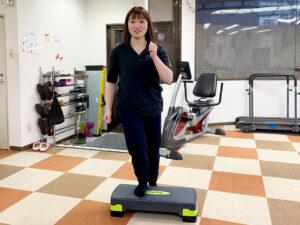 踏み台昇降で使用する「ステップ台」を導入しました❣(リハトレ専科)